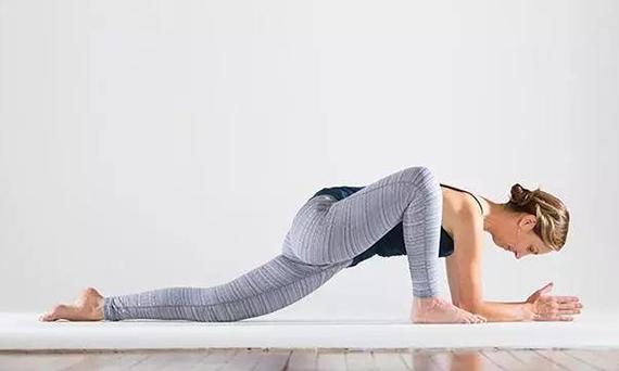 瑜伽龙式的功效和注意事项有哪些